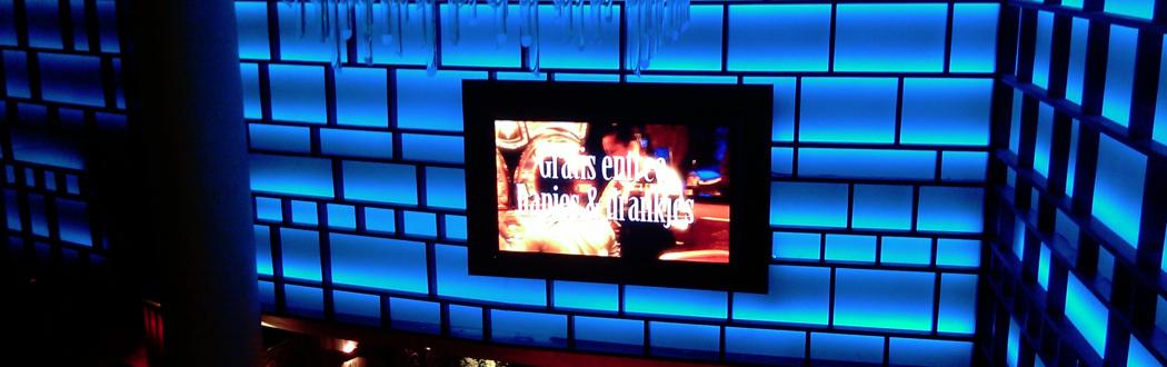 In een ruimte van Glitter & Glamour speelt een narrowcasting scherm een logische rol!