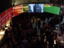 Een 48 meter lange LED wall in de Museum of London