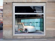 Conceptual Concept Car met video wall